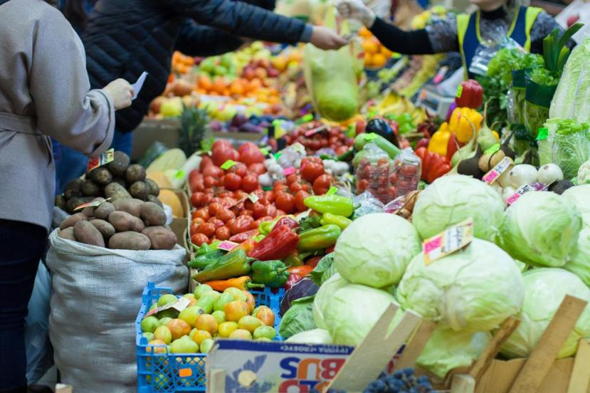 open-air-market-nutrition-urban-health-moscow-russia